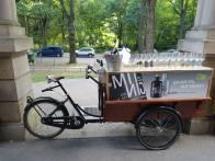 Champagnerempfang mit dem Cocktail-Bike